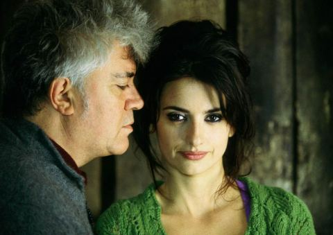 almodovar_and_penelope_cruz_11
