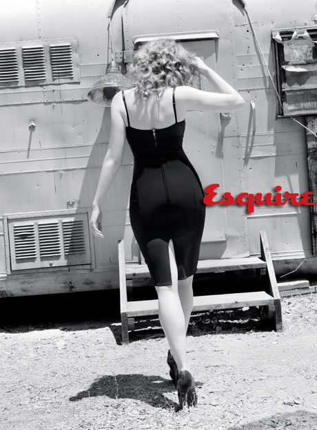 christina-hendricks-esquire-eleven-4