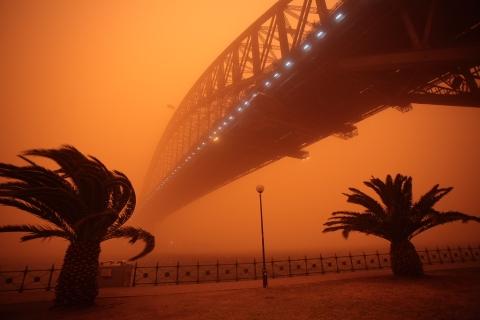 red dust storm sydney 23rd sept 7